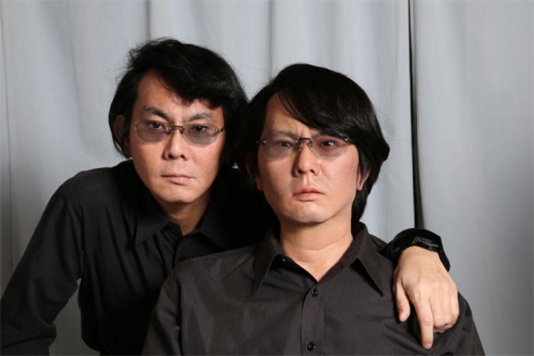 Hiroshi and his double, Geminoid HI-4, 2013 Courtesy Hiroshi Ishiguro Laboratories